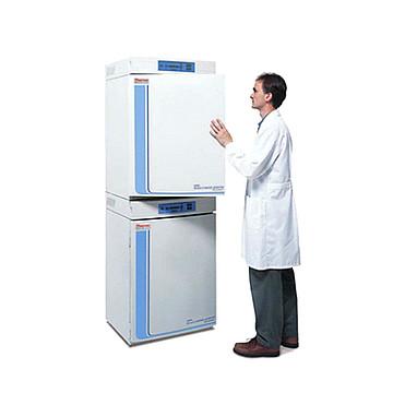Thermo Scientific 三气水套式二氧化碳培养箱 3131